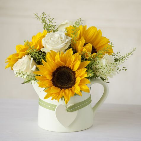 Pin By Michele Liotti On Floral Work In 2020 Fresh Flowers Arrangements Summer Flower Arrangements Sunflowers And Roses