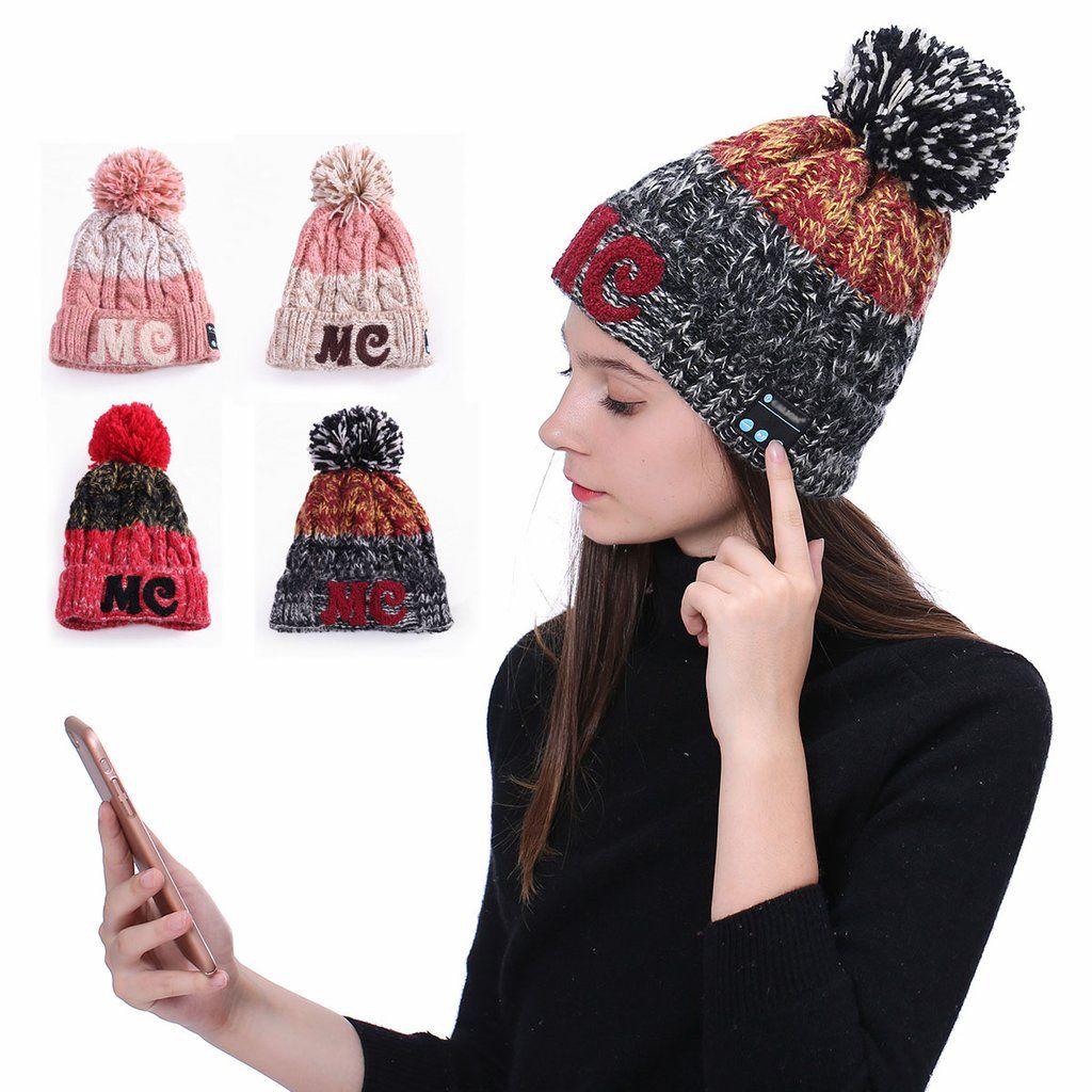 640ee0db829 Warm Bluetooth Pom-Pom Winter Hat (Music and Call)