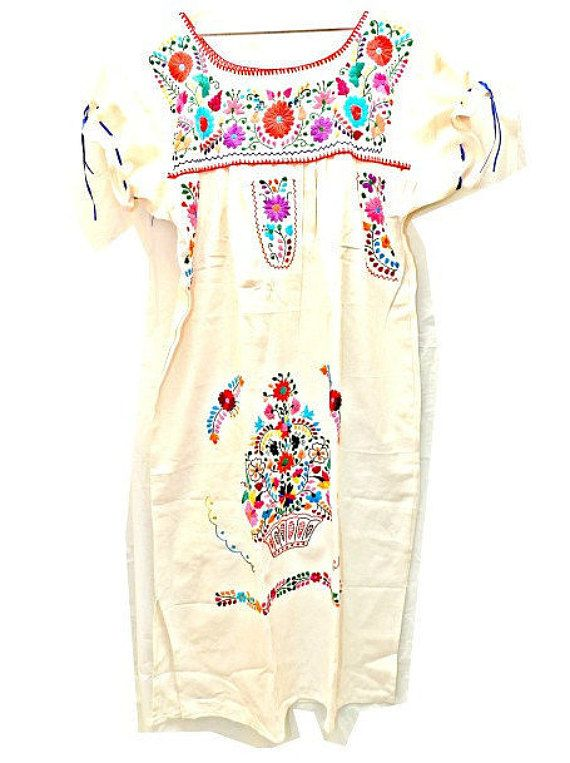 White mexican dress Mexican embroidered dress by ZazaofCanada #mexicandres  #mexicandresses #robebrodée #robeete