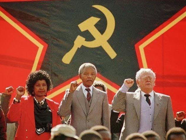 Lenine dizia que a maneira com que a burguesia consegue sujar os grandes revolucionários consiste em incensá-los a título póstumo depois de os ter perseguido durante toda a sua vida. É o que acontece hoje. A burguesia mundial incensa Mandela depois de o ter aprisionado durante 27 anos.