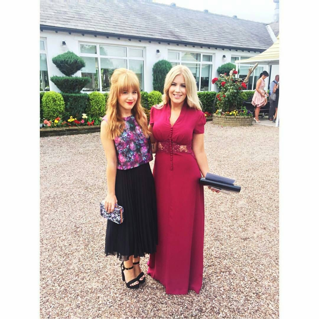 What a beauty ❤❤! @mrschloe_kneale looking so so gorgeous in #JarloLondon #Kelly maxi dress in burgundy at the #wedding she attended recently! Thank you for sharing, we love your look!