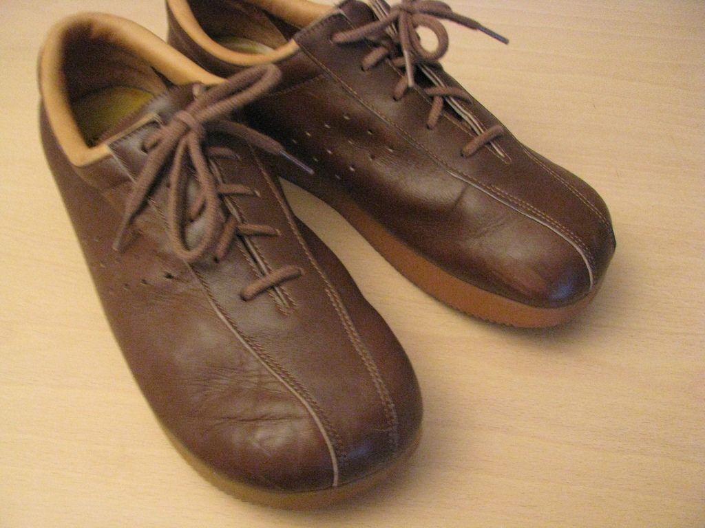 Roots shoes | Schuhe, Kindheitserinnerungen, Erinnerungen
