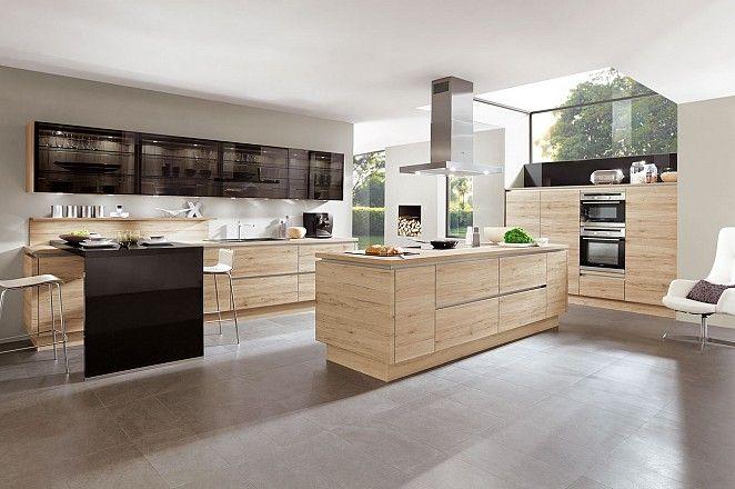Greeploze keuken met eiland en glazen bovenkasten Collectie - nobilia küchen günstig kaufen