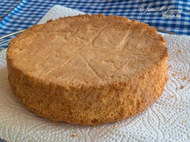 Kleiner Biskuit Tortenboden mit Butter - Rezept | Rezept
