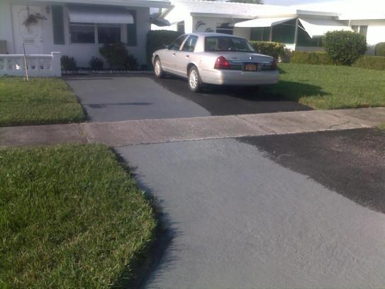 Latex Ite 4 75 Gal Color Grade Blacktop Driveway Filler
