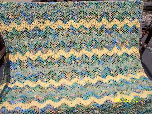 Baby\'s Quick Ripple pattern by Melissa Leapman | Afghans | Pinterest