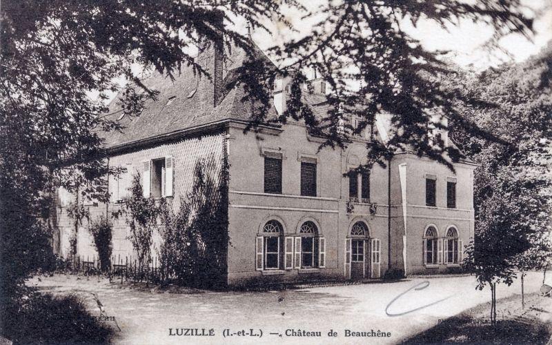Chateau De Beauchene A Luzille Carte Postale