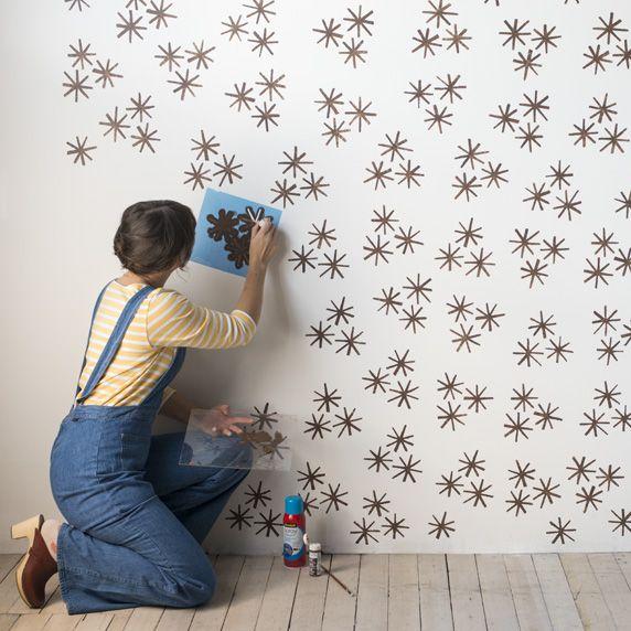 DIY: Decora tus paredes con estampados | Mi Hogar | Stencil painting ...