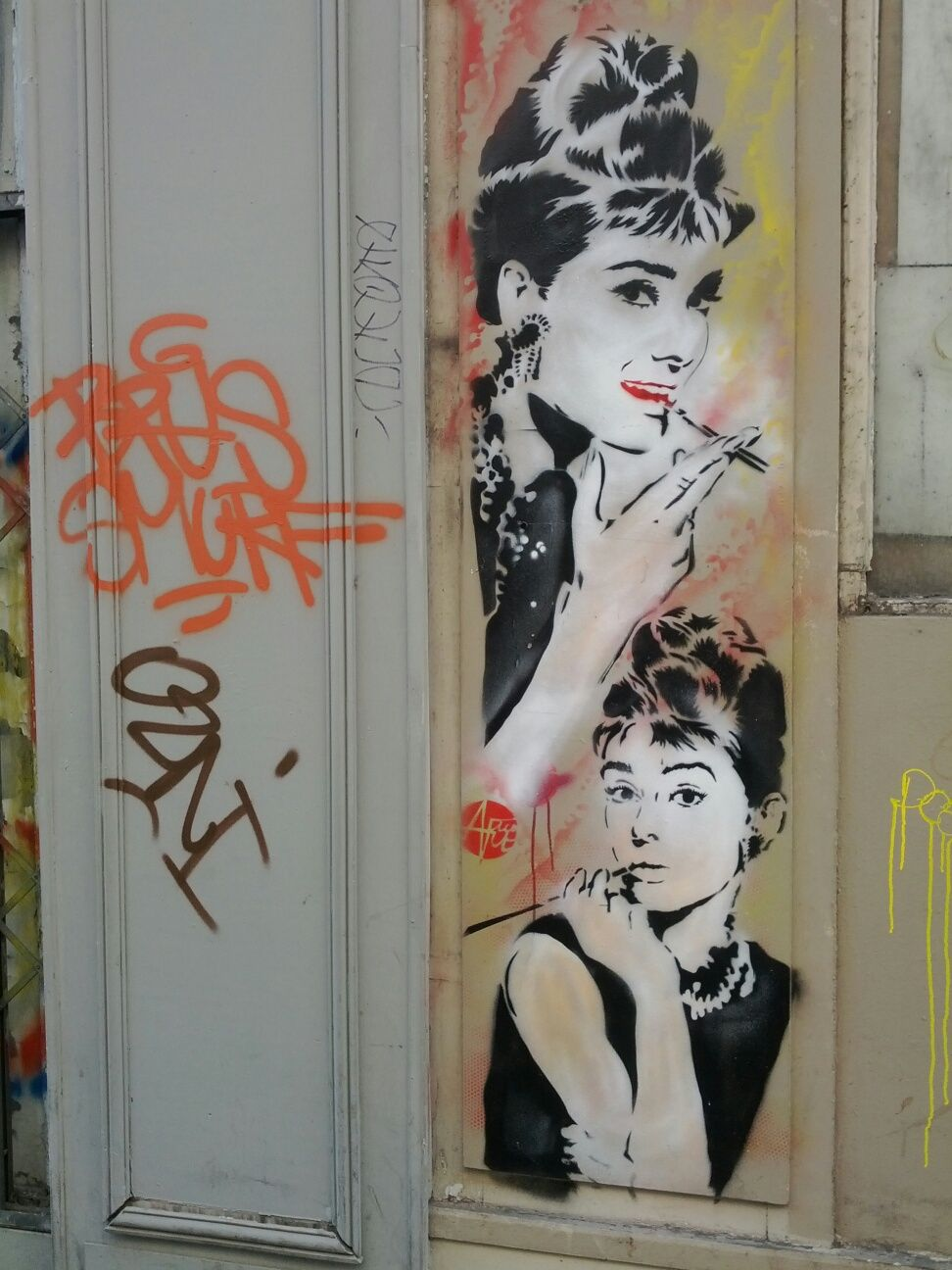 Audrey Hepburn By Nice Art Streetart Paris Urbacolors Street Painting Graffiti Photography Art Apps