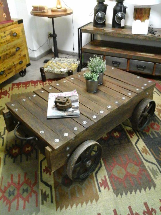 Mesa ruedas industriales de madera de palma reciclada for Mesas industriales vintage