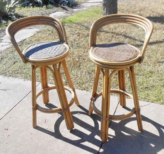Astounding Vintage Pair Of Bamboo Bar Stools Rattan Seats Curved Back Evergreenethics Interior Chair Design Evergreenethicsorg