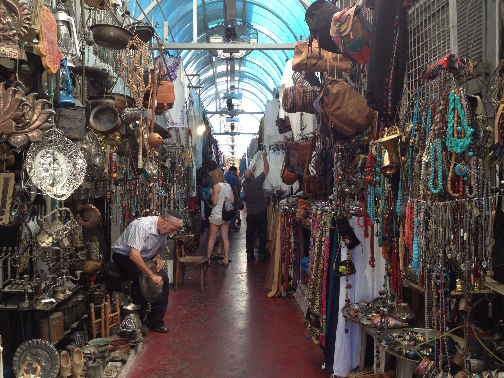 The flea market in Tel Aviv is located next to the clock tower in old Jaffa. Looking for an ancient typing machine or second-hand cloths and cute stuff?! This is the market for you!