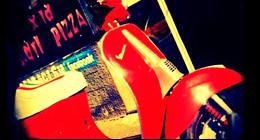 La Pizzeria Nati x la Pizza effettua il servizio di pizza e panini a domicilio con consegna a domicilio gratuita. Servizio rapido!