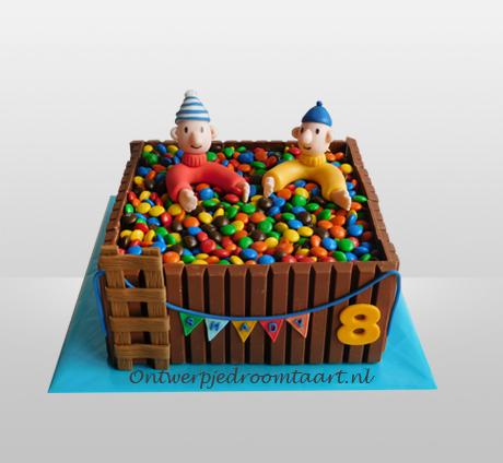 Buurman En Buurman Taart In Bad Van M M S Taart Verjaardagstaart Ideeen Taart Ideeen