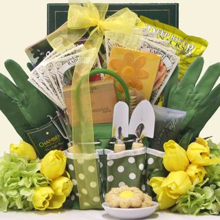 Planting gift basket idea google search gift ideas for all mothers day gourmet gardening gift basket mothers day gourmet gardening gift baskets what a perfect garden basket filled with a nice assortment of negle Image collections