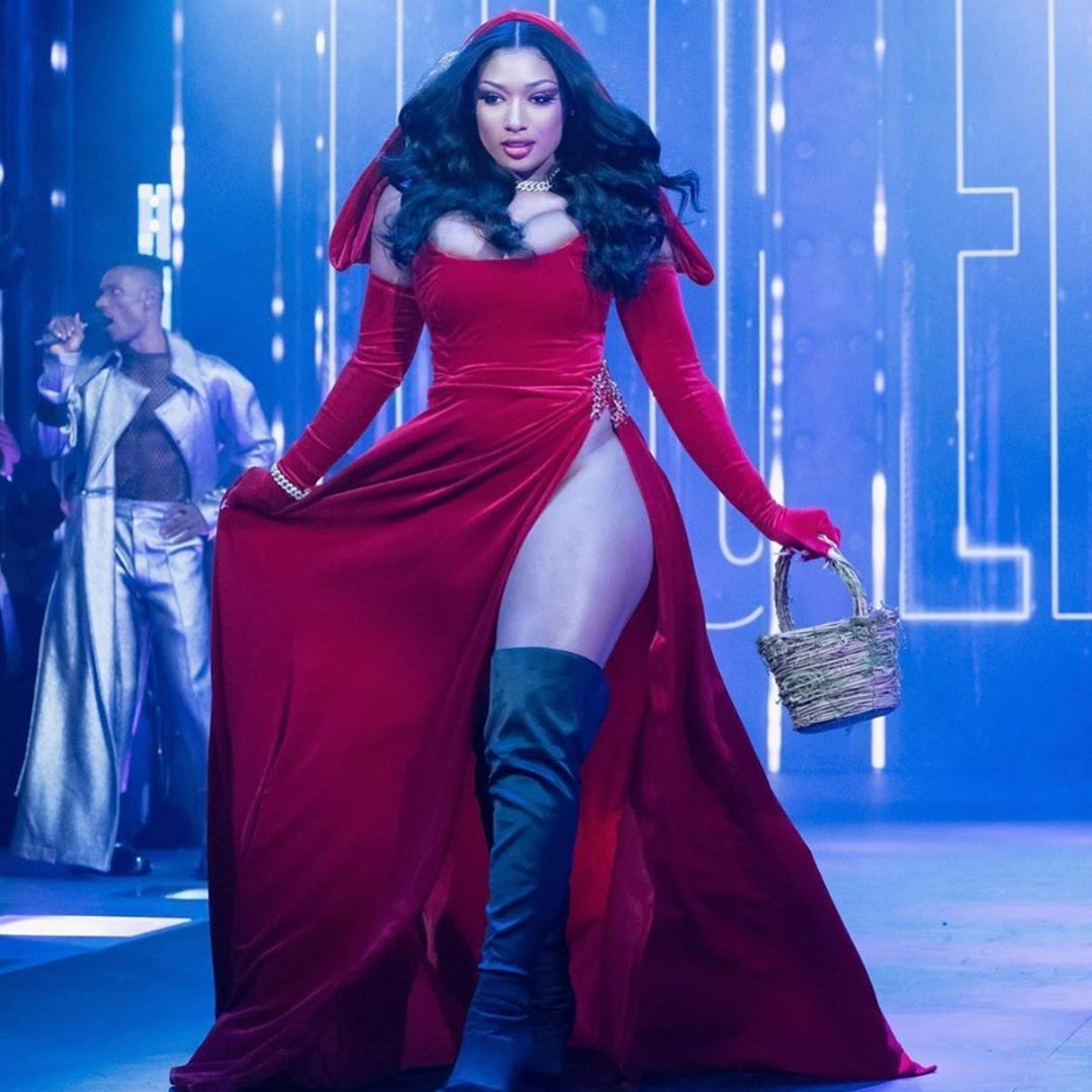 Megan Thee Stallion On Instagram Custom Little Red Riding Hood Dress By Valentinoomar In 2020 Dresses Formal Dresses Long Red Formal Dress