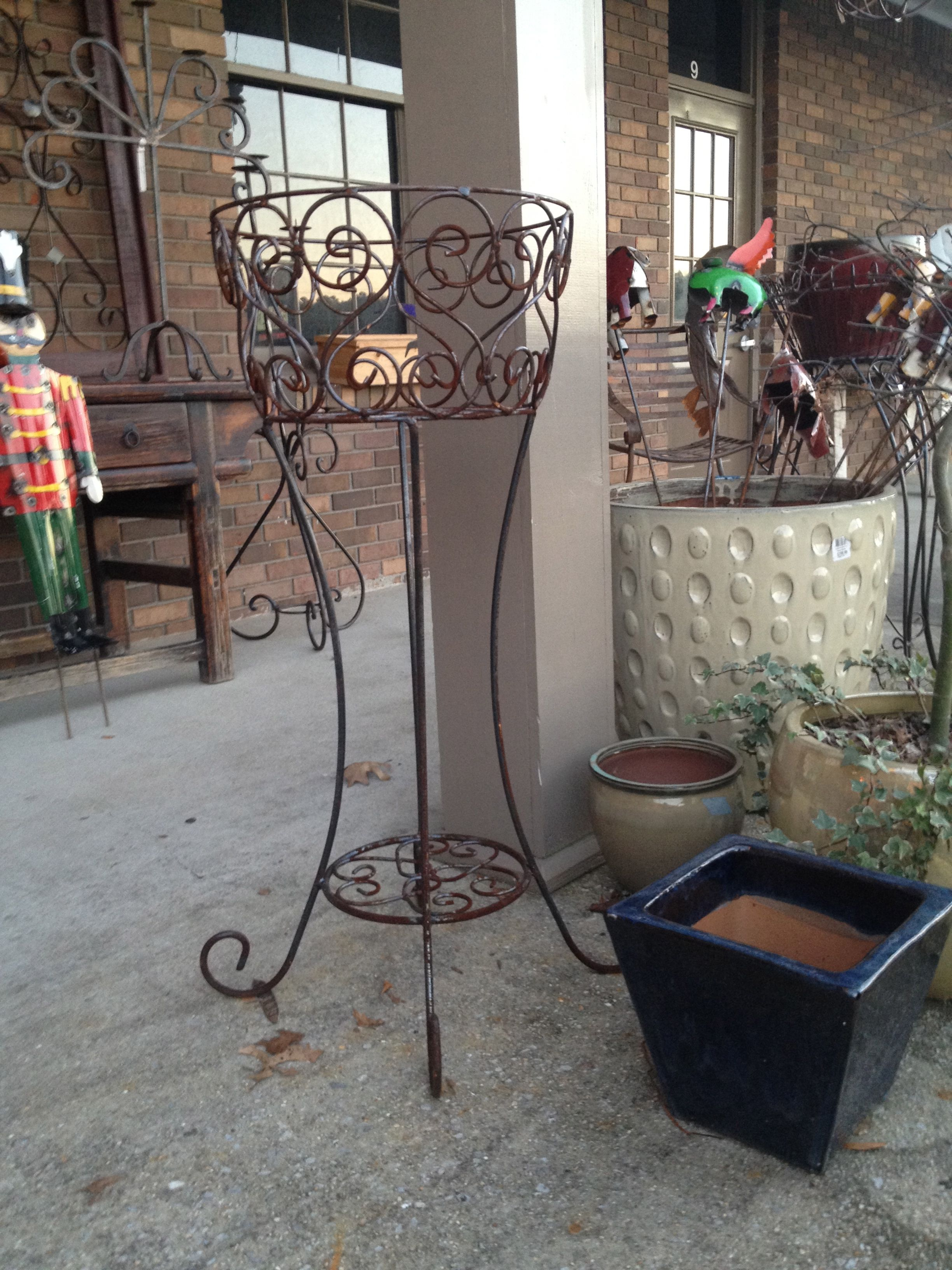Iron plant stand | Casitas, Herreria artistica, Artistas on Iron Stand Ideas  id=43387