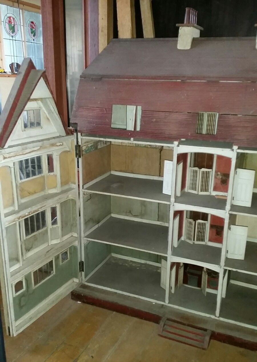 HUGE ANTIQUE DOLLS HOUSE AS FEATURED ON ANTIQUES ROADSHOW NEVER BEEN FOR  SALE B4 | eBay - Huge Antique Dolls House As Featured On Antiques Roadshow Never