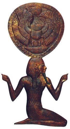 Tapa de caja de espejo de Tutankhamón. Foto en T.G. HENRY JAMES, Tutankamón, Barcelona, 2001, p. 197.