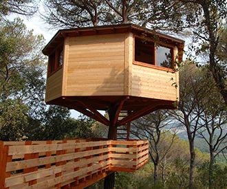 Cabañas En Los árboles En Dosrius Hermosas Casas De árboles Cabaña Arbol Casas