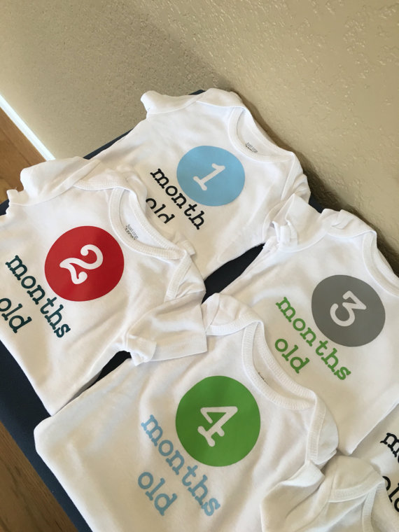 fd3dcb315 Watch me grow set of 12 onsies. Set of bodysuits can be personalized ...