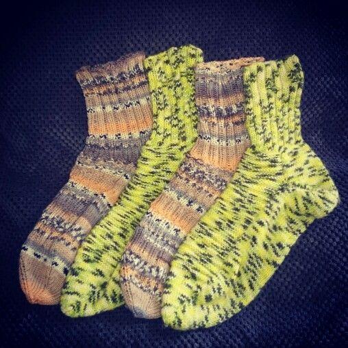 Gemütliche Farbenfrohe Socken für kalte Füße ❄