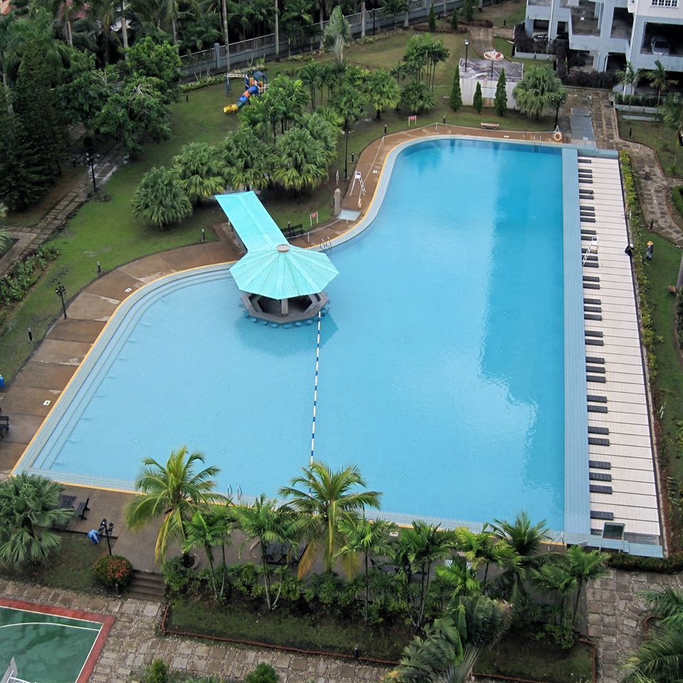 piano pool in sarawak, malaysia | very cool things & all things