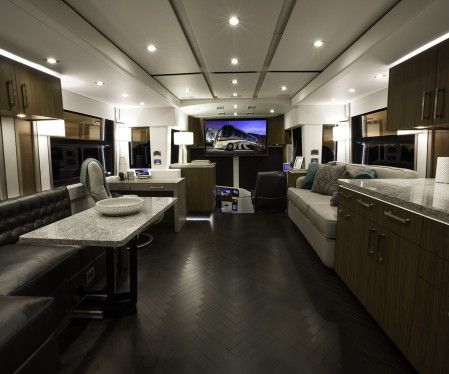 Inventory Archive | Featherlite Coaches | Motorcoach | Room