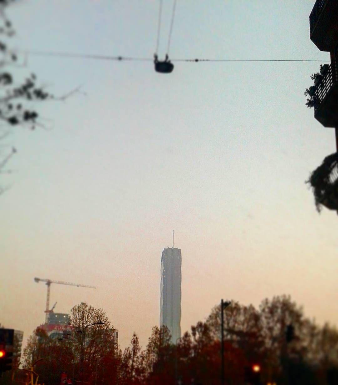 Buongiorno Milano. #milano #mycity #goodmorning#folowme #instalike by l.bosley_milano_365