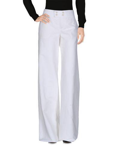 CHLOÉ Casual pants. #chloé #cloth #