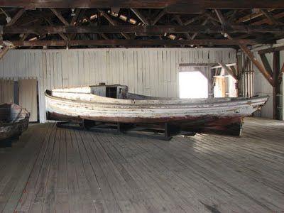 deadrise work boat