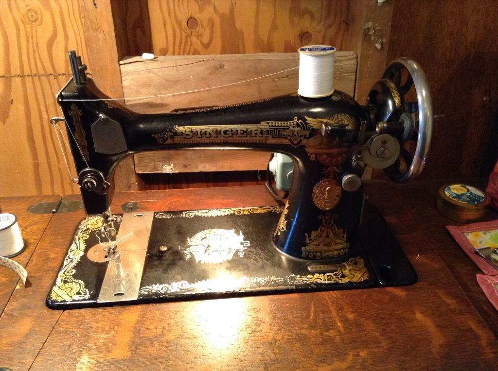My Beautiful 40 Singer 40 Sewing Machine Still In Lovely Classy 1923 Singer Sewing Machine
