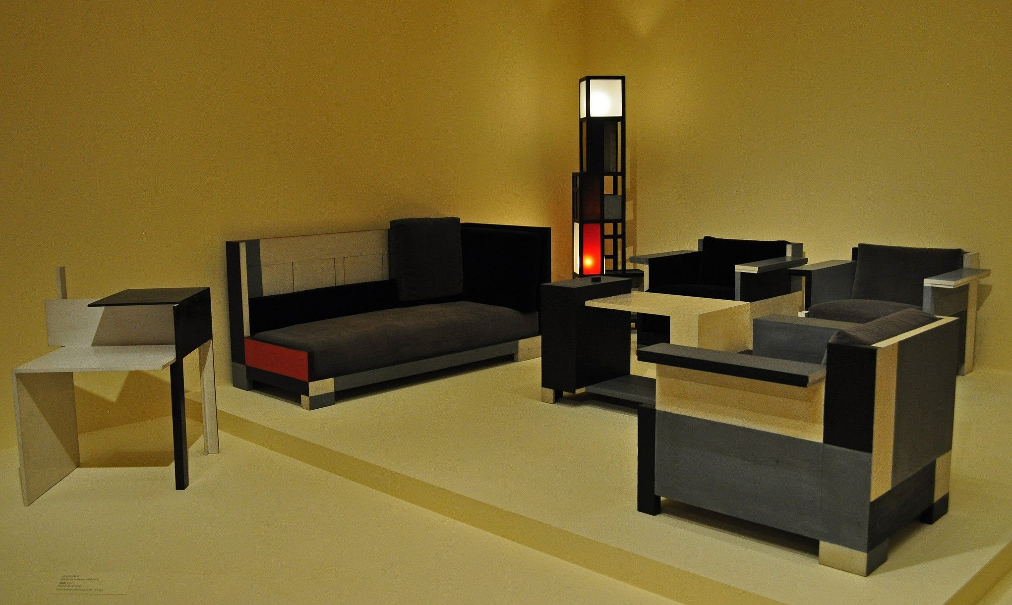 Pin By Alexander Erz Geh Lz On Muebles 1920s Pinterest # Muebles Para Buardillas