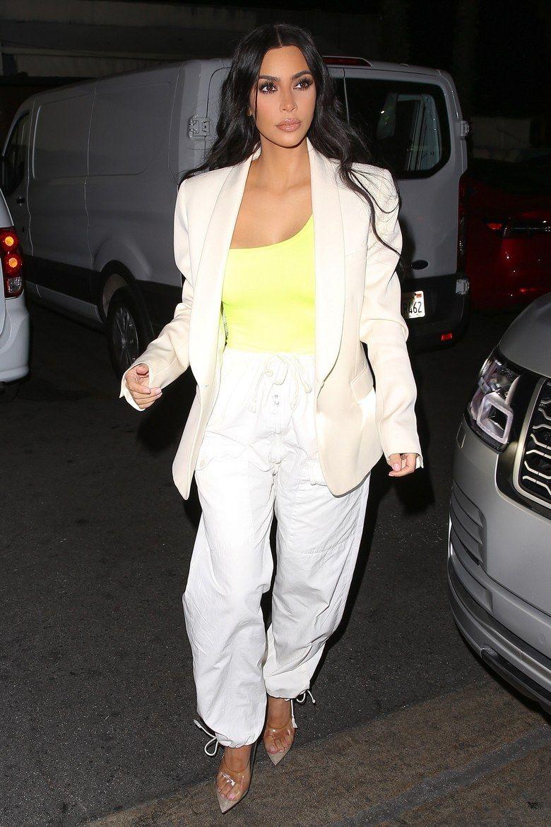 f69321ffc049c  EXCLUSIVE  Kim Kardashian West leaves a restaurant in Hollywood
