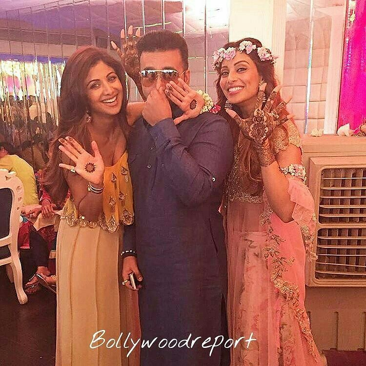 #shilpashetty -  Ha ha ha my hubby hates the smell of hennawith the bride to be #mehendi #celebrations #happiness #love  @BOLLYWOODREPORT  . For more follow #BollywoodScope and visit http://bit.ly/1pb34Kz