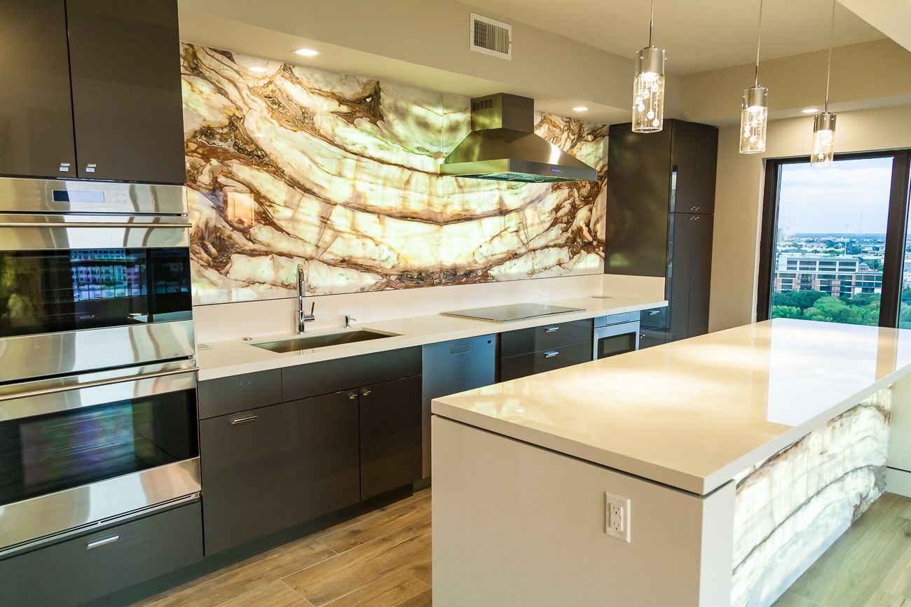 Calacatta Onyx Backlit Kitchen Backsplash Amp Island Front