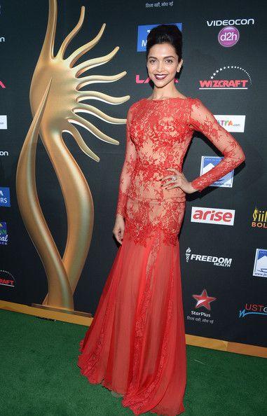 Deepika Padukone Photos Photos: IIFA Awards - Arrivals