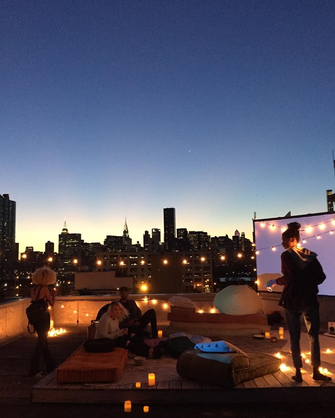 Kleiderständer Urban Outfitters Us Uo Rooftop Movie Screening Urban Outfitters Blog Dining