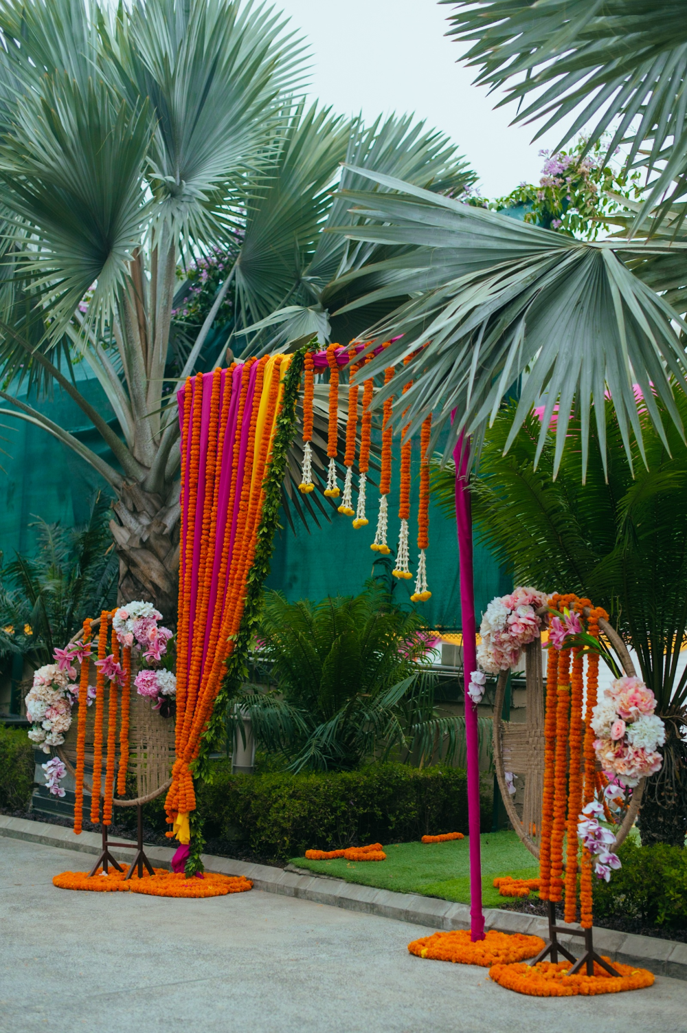 High On Romance Wedding With A Bespoke Decor & Tasteful Elegance