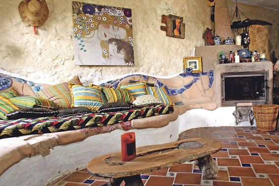 Sofa ökologisch ökologisch ausgerichtetes haus bei sineu das selbst gemauerte sofa