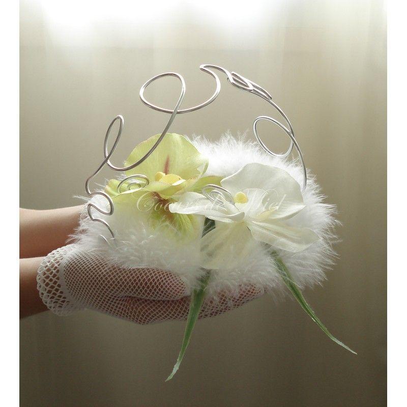 el gant et raffin ce porte alliance sera id al pour un mariage au th me plumes et orchid e. Black Bedroom Furniture Sets. Home Design Ideas