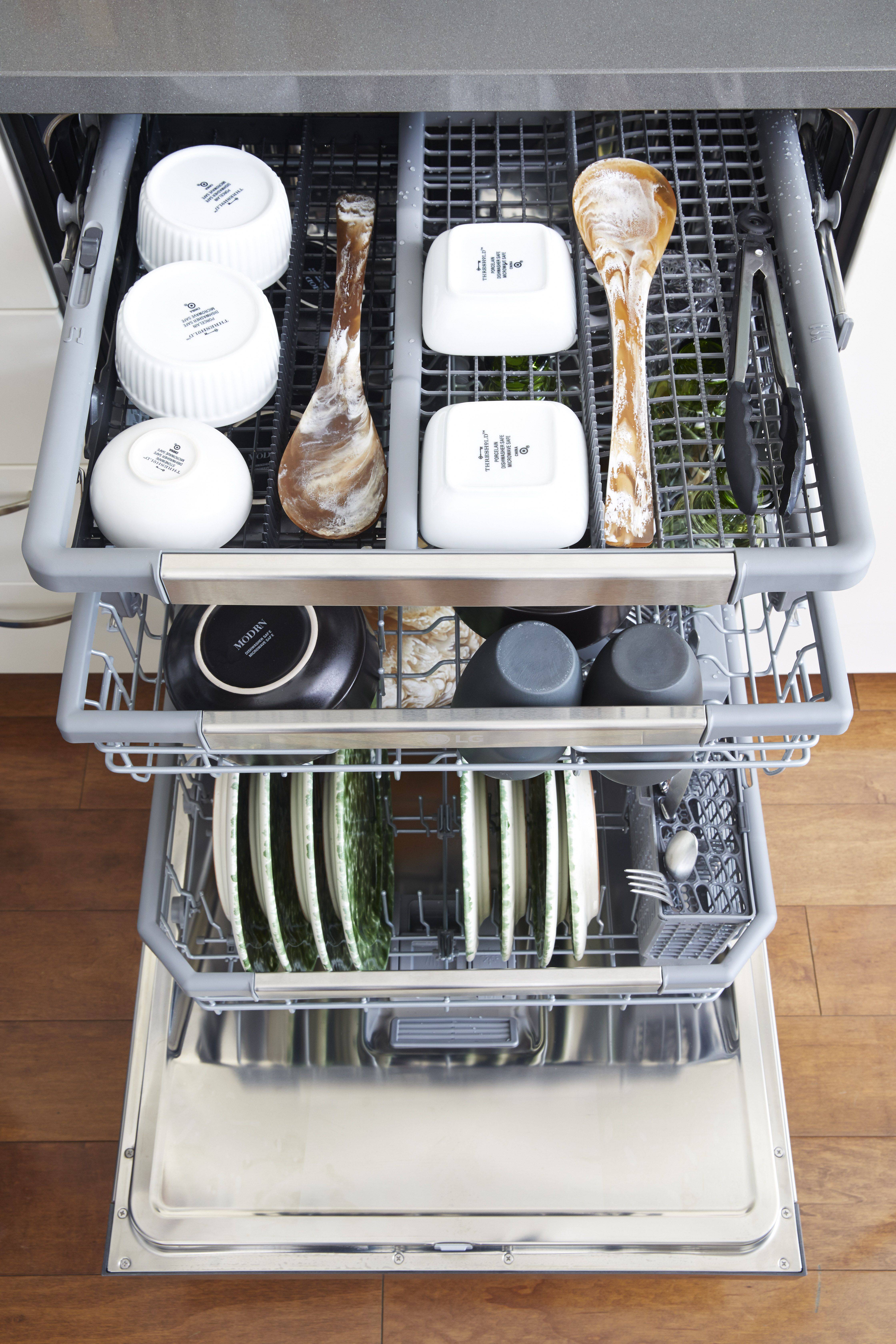 Lg Dishwasher Dishwasher Lg Dishwashers Cleaning Dishes