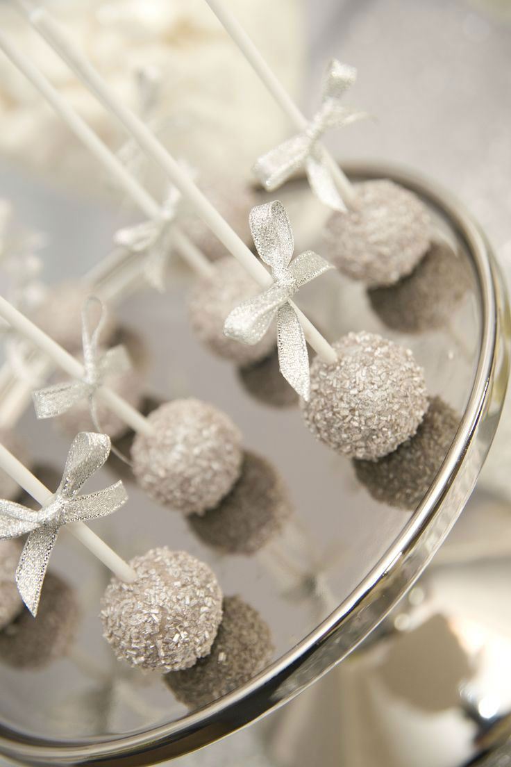 37 Gorgeous Winter Wedding Ideas in Silver Theme | Winter wedding ...