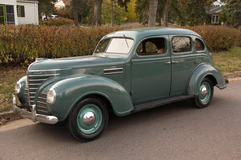 1939 Plymouth P8 Deluxe 4 Door Sedan Plymouth Cars Classic Cars Plymouth