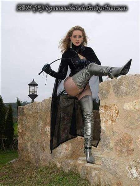 Fetish lady yvonne