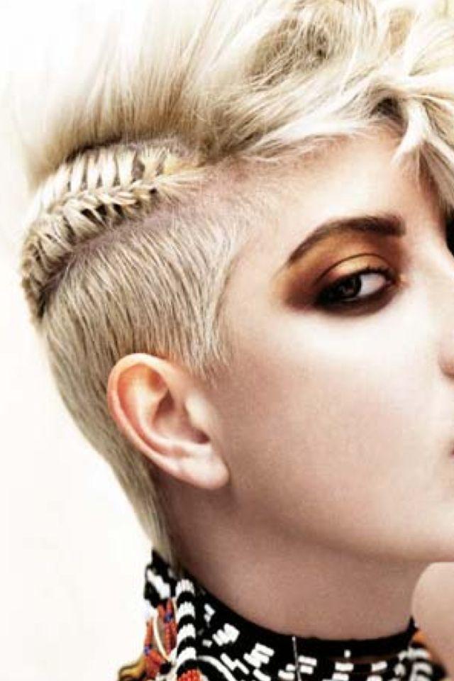 Pin Von Kat Auf Hair Frisuren 2014 Haar Styling Irokesenschnitt