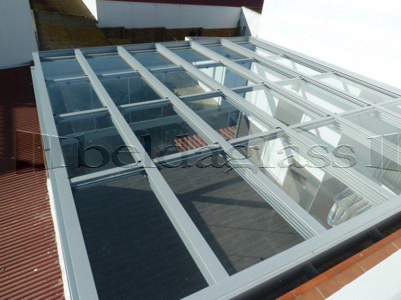 Terraza cubierta con techo movil de cristal techos moviles para terrazas pinterest terraza - Techos moviles para terrazas ...