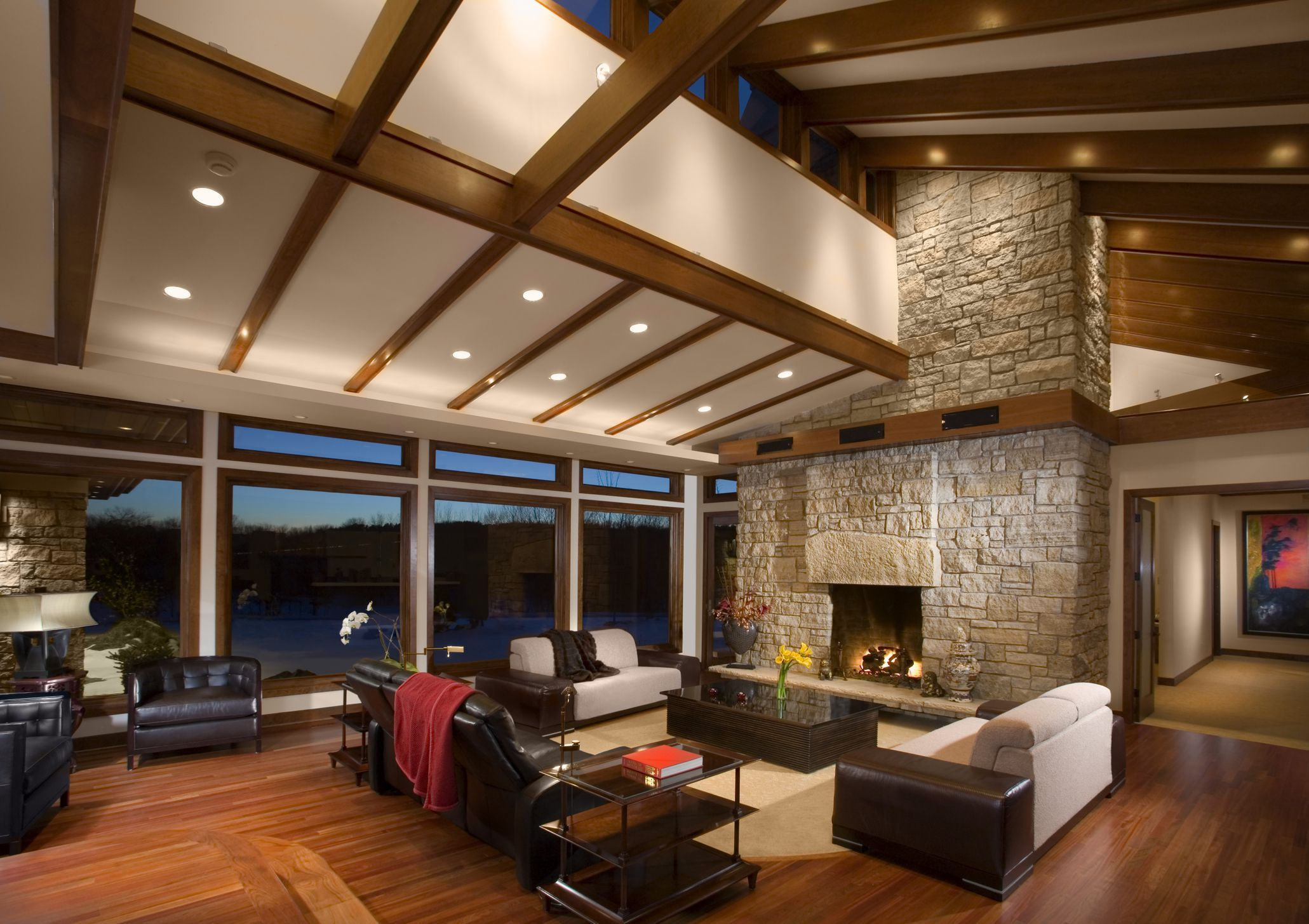 Pin By Vanessa Valentin On The Popp Compound Vaulted Ceiling Living Room Vaulted Ceiling Lighting Rustic Ceiling