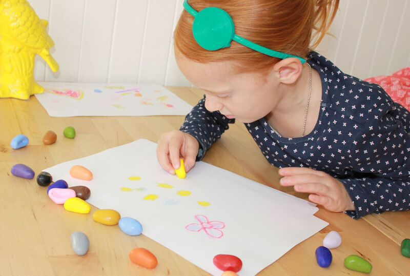What makes us happy on Mondays is drawing with Crayon