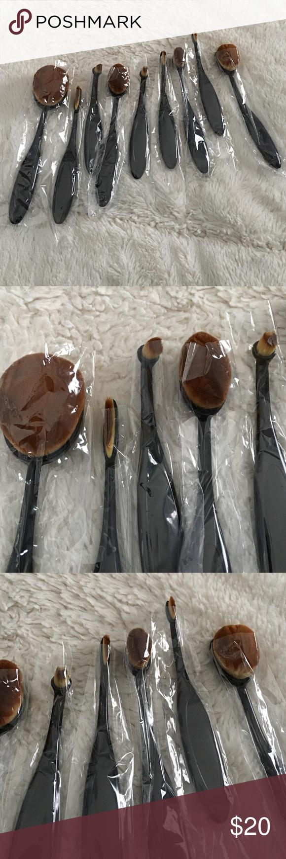brand new🎉 make up brushes!! 🚨price drop!🚨 Oval brush